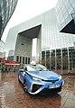 Toyota Mirai fonctionnant à l'hydrogène appartenant à hype dans le quartier de la Défense.jpg