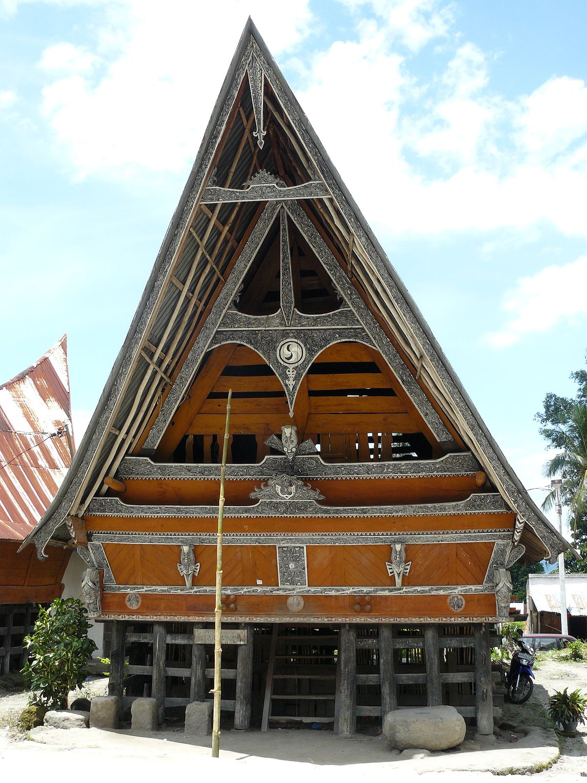 Batak architecture wikipedia for Traditional house building