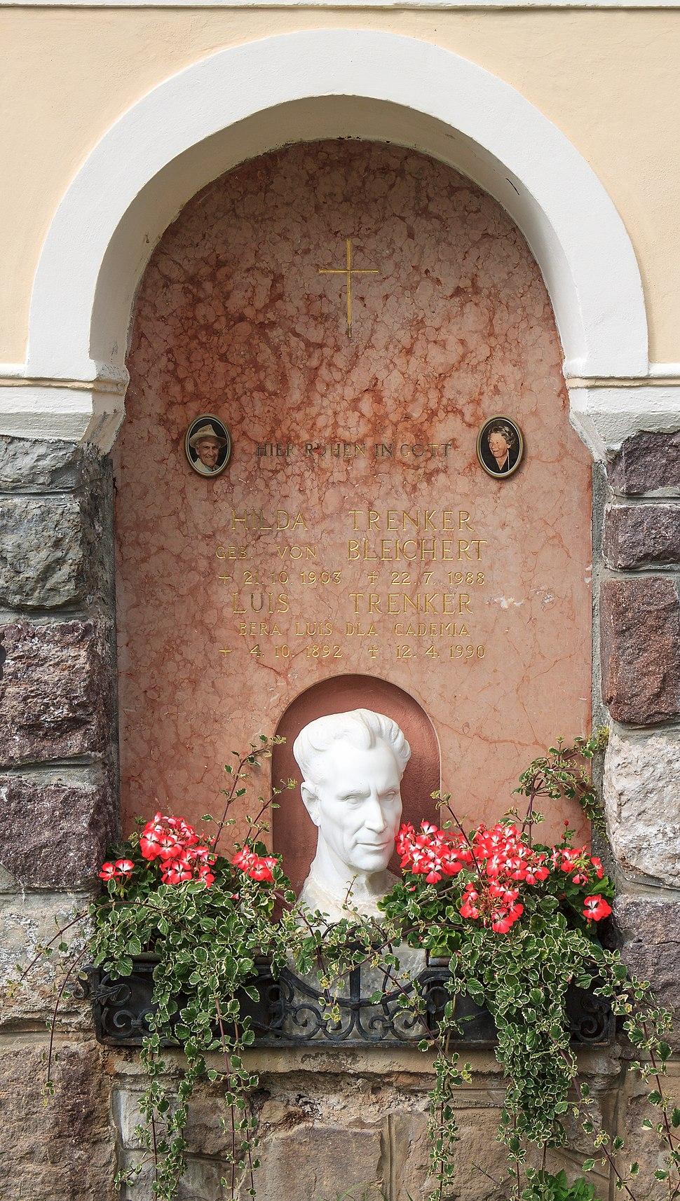Trenker memorial plaque - Urtijëi