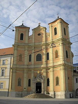 How to get to Hurbanovo Námestie with public transit - About the place