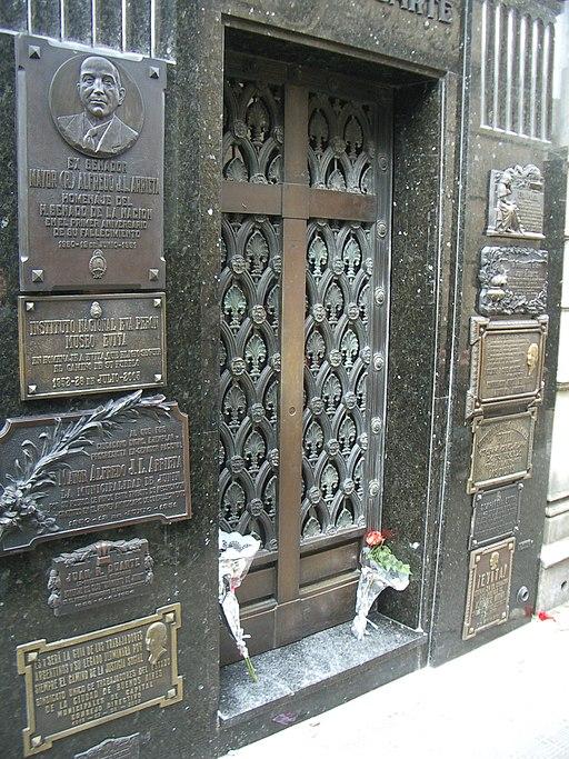 Tumba-Eva-Perón