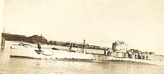 USS <i>R-16</i> (SS-93) 1917 R-class coastal and harbor defense submarine of the United States Navy