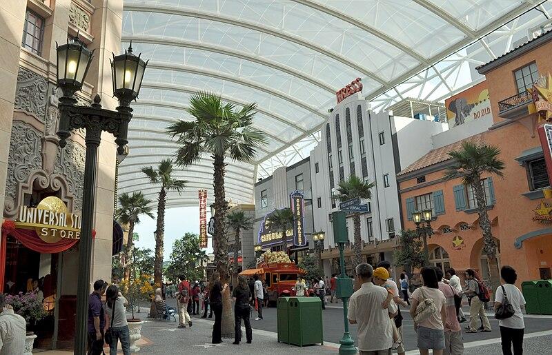 Universal Singapore Hollywood Boulevard.jpg
