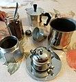 Utensili per la preparazione del caffè d'orzo.jpg