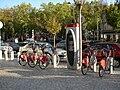 Vélo'v station 5002 - Place des Compagnons de la chanson.jpg