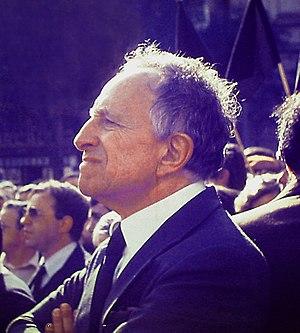 Vasco Gonçalves - Image: Vasco Goncalves 1982 Henrique Matos 01 (cropped)