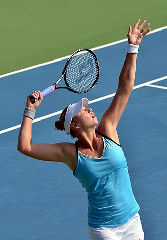 Vera Zvonareva - Zvonareva serving at the 2011 PTT Pattaya Open