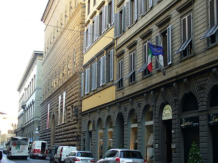 The Via de' Tornabuoni in Florence, the city's top fashion and shopping street, contains some of the world's most luxurious clothing and jewelry houses, such as Cartier, Ferragamo, Gucci, Versace and Bulgari, to name a few. Via de Tornabuoni 08.JPG
