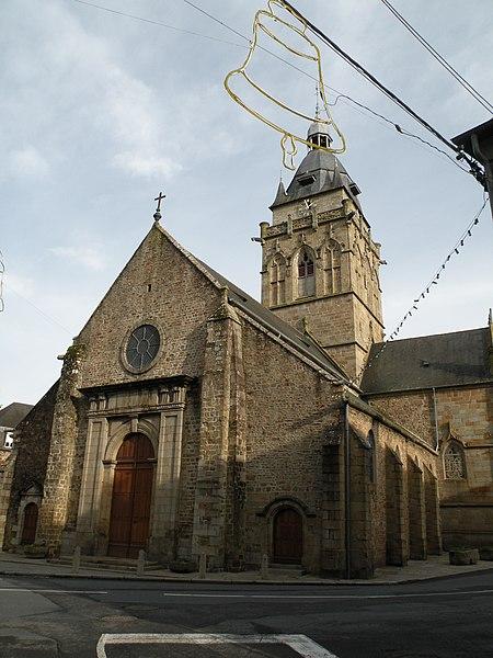 L'église Notre-Dame de Villedieu-les-Poêles.