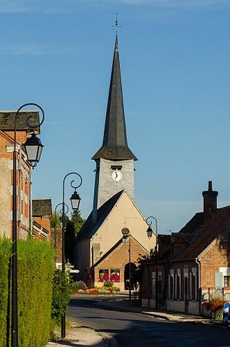 Villemurlin - The church in Villemurlin