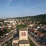 Vue aérienne de l'église Saint-Martin de Miribel (Ain).JPG