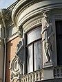 Wernerska villan Gbg bojda fonster och skulpturer.jpg