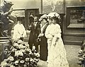 """Palace of Art."" (Visitors viewing works of art at the 1904 World's Fair).jpg"