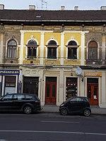 Árpád út 54, középső rész, 2018 Újpest.jpg