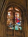 Église de Chaumont en Vexin vitrail choeur 1.JPG