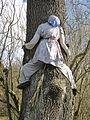 Čarodějnice na stromě u domu č.p. 10 v Kryštofově Údolí.jpg