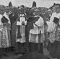 Škof Jeglič med Krekovim pogrebom.jpg