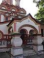 Крыльцо Церковь Николая Чудотворца на Берсеневке в Верх. Садовниках Москва 3.JPG