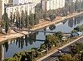 Пешеходный мост через Русановский канал.jpg