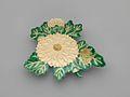 乾山様式 菊形皿-Kenzan-style Dish in the Shape of Chrysanthemum MET DP269567.jpg