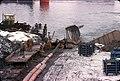 027R04090177 Reichsbrücke stadtauswärts, Bergung und Zerteilung der Stahlteile.jpg