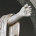 0 Apollon du Belvédère - Cortile Ottagono - Museo Pio-Clementino - Vatican (3) crop2.jpg