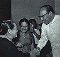 1964-05 1964年2月 宋庆龄副主席访问锡兰 与锡兰总督威廉·高伯拉瓦夫妇.jpg