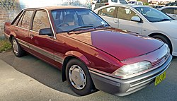 1986-1988 Holden VL Commodore Berlina sedan 06.jpg