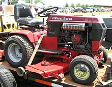 220px 1986_Wheel_Horse_520 H_garden_tractor s wheel horse wikipedia  at creativeand.co