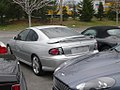 2006 Pontiac GTO coupe 01.jpg