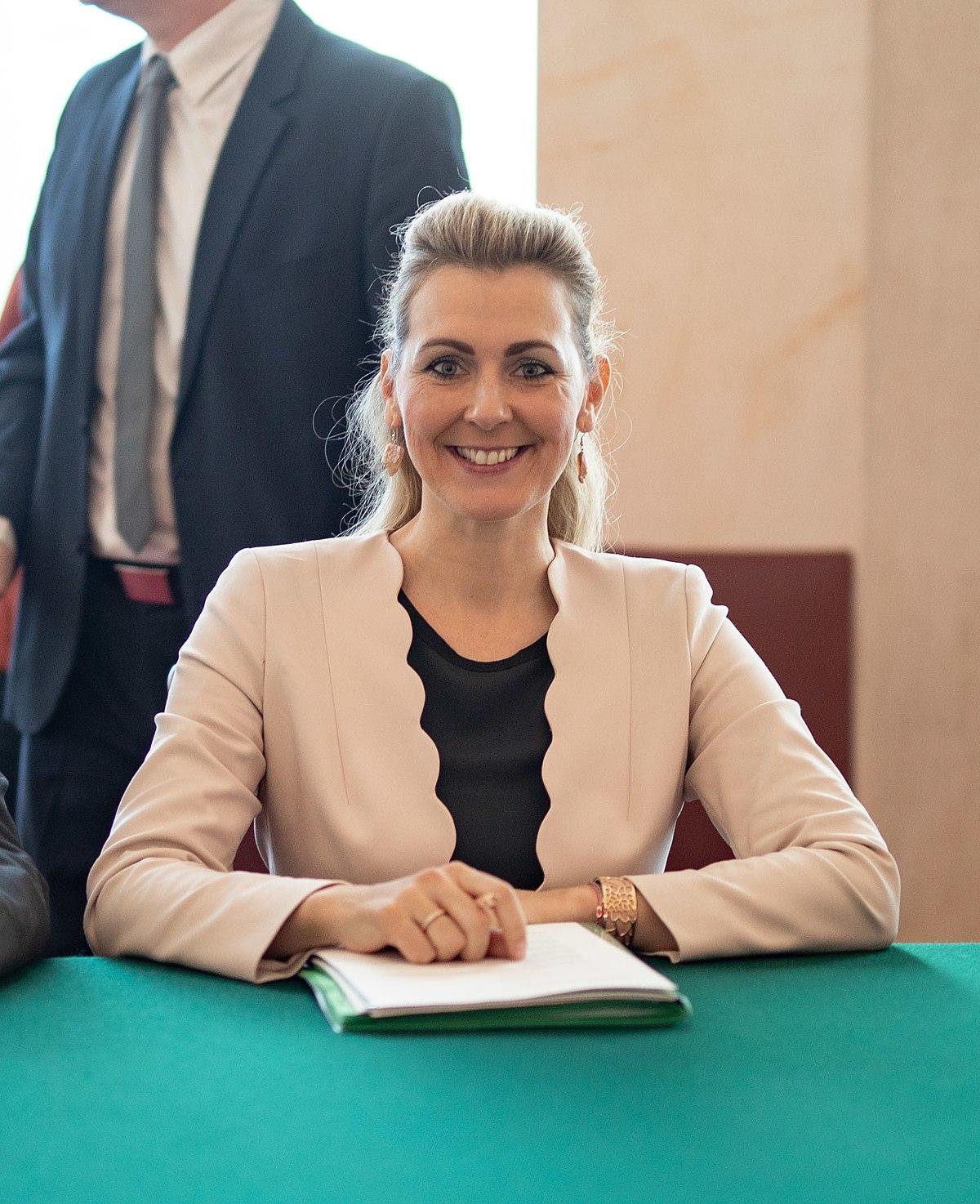 Christine Aschbacher Wikipedia