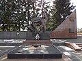 4. Меморіальне кладовище радянських воїнів та партизан, Рівне.JPG