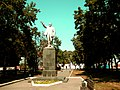 436. Брянск. Памятник В.И.Ленину у вокзала Брянск-I.JPG