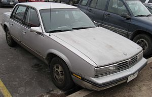 Oldsmobile Cutlass Calais - Image: 82 87 Oldsmobile Cutlass Ciera
