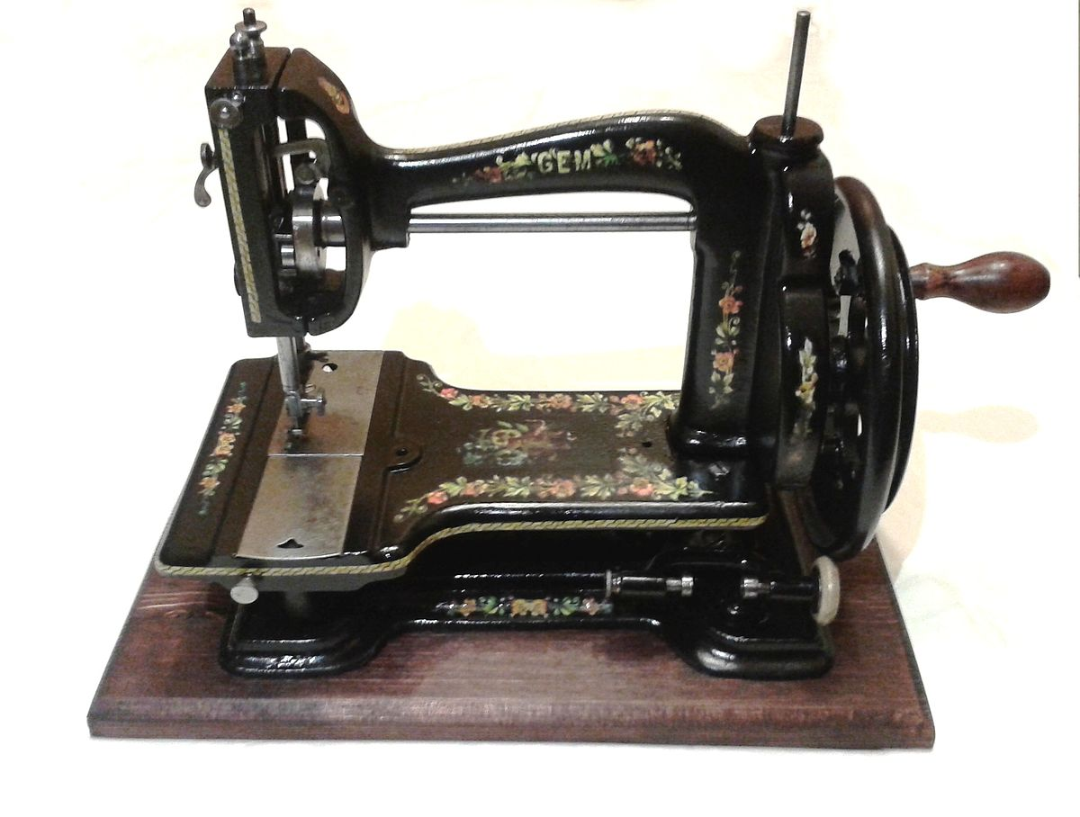 Brilliant List Of Sewing Machine Brands Wikipedia Home Interior And Landscaping Spoatsignezvosmurscom