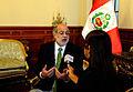 Abugattás en entrevistas con medios de prensa (6912502443).jpg