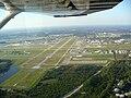 Aerial view of runway 7R, Daytona Beach International Airport, 2007-11-03.jpg