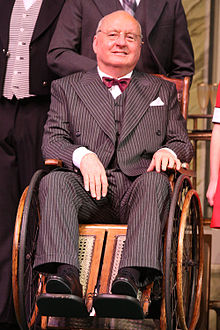 Alan Jones as Franklin D Roosevelt in the stage musical, Annie. Source: Wikipedia