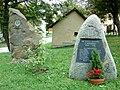 Altmobschatz-Gedenksteine Erster u. Zweiter Weltkrieg.JPG
