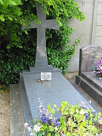 Andrei Sinyavsky's grave.jpg