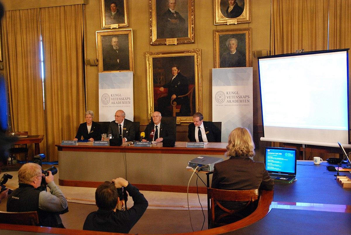 File:Announcement Nobelprize Physics 2009-2.jpg - Wikimedia Commons