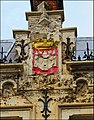 Antwerp Coat of Arms as a Bas Relief - panoramio.jpg