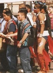 APACHE (APAČI ) indijanci  220px-Apache_dance_group_in_Globe%2C_AZ