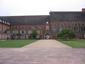 Terry-Thomas - Ardingly College, where Terry-Thomas engaged in amateur dramatics