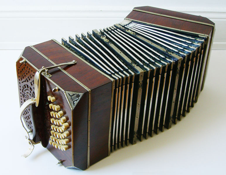 A Bandoneon is like an accordion: Wikimedia picture of a Bandoneon
