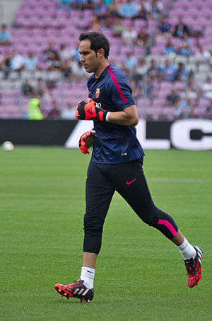Claudio Bravo - Bravo warming up for Barcelona in 2014