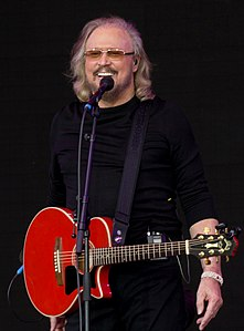 Barry Gibb in 2017-Glasto17-197 (34744934874).jpg