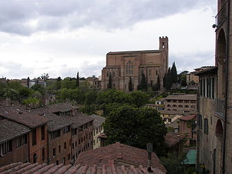 Basilica of San Domenico (Siena) 2.jpg