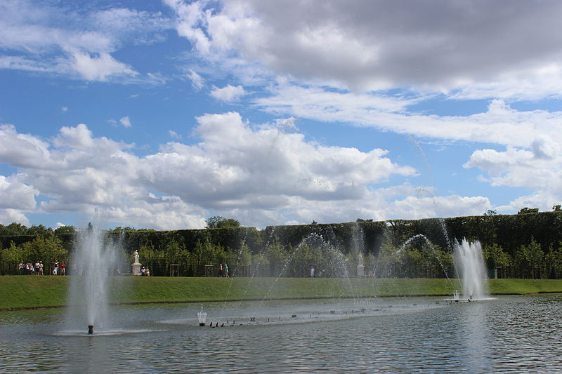 File bassin du miroir 2013 25 jpg wikimedia commons - Bassin effet miroir toulon ...