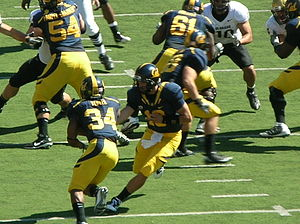 Shane Vereen - Vereen (no. 34) running the ball against Colorado in September 2010